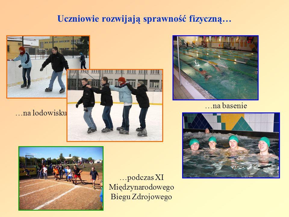 Uczniowie rozwijają sprawność fizyczną… …podczas XI Międzynarodowego Biegu Zdrojowego …na basenie …na lodowisku