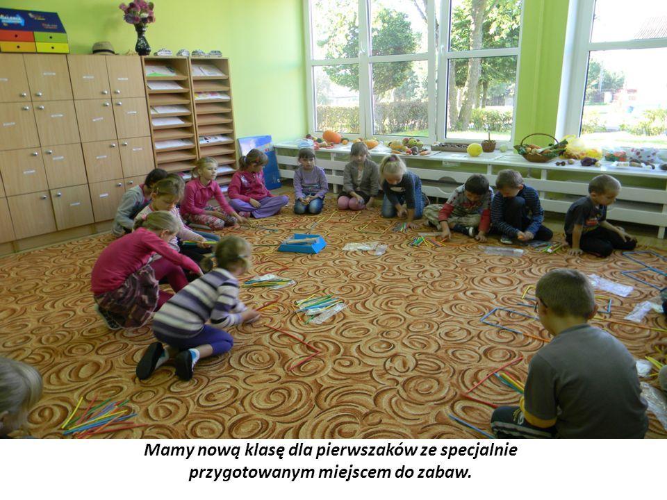 Odbył się cykl spotkań z pedagogiem z PPP poświęcony tematowi gotowości szkolnej, w czasie których mogliśmy porozmawiać z nauczycielami edukacji wczesnoszkolnej i innymi rodzicami dzieci, które rozpoczęły edukacje szkolną w wieku sześciu lat.