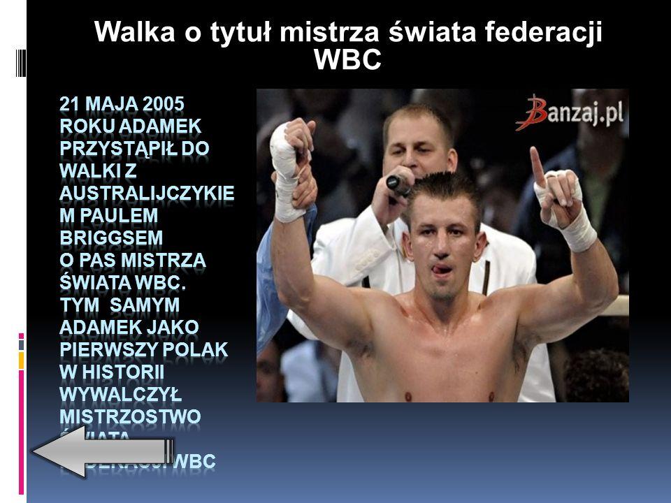 Pierwszy tytuł mistrza Polski seniorów Adamek zdobył w 1995 roku – w wadze średniej, mając niespełna 19 lat.