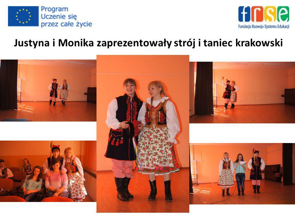 Justyna i Monika zaprezentowały strój i taniec krakowski