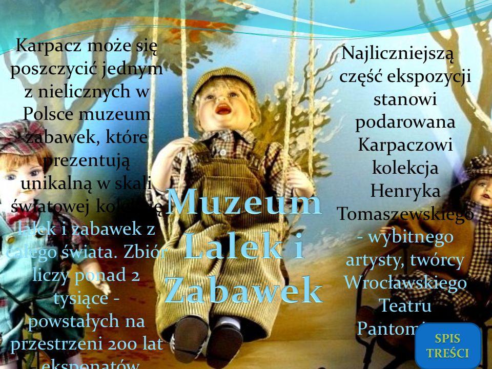 Najliczniejszą część ekspozycji stanowi podarowana Karpaczowi kolekcja Henryka Tomaszewskiego - wybitnego artysty, twórcy Wrocławskiego Teatru Pantomi