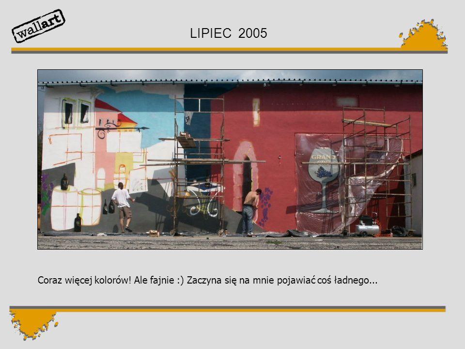 LIPIEC 2005 To chyba jakieś domy i uliczka. Coraz więcej osób patrzy na mnie z uśmiechem.