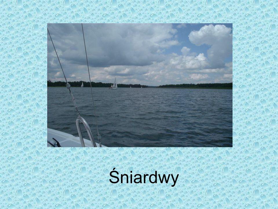 Jeziora w Polsce jest ok. 9300 jezior o powierzchni większej od 1 ha; jeziora zajmują 3,2 tys. km2 (ok. 1% pow. kraju), a ich łączna pojemność wynosi