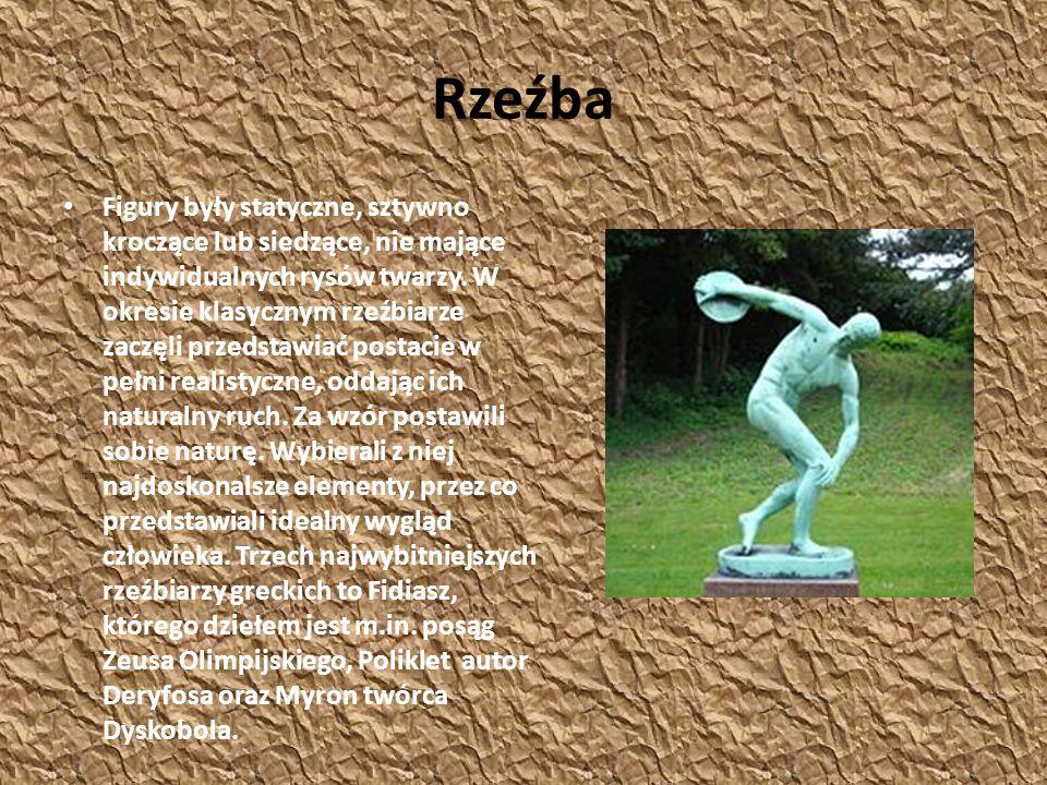 Rzeźba Figury były statyczne, sztywno kroczące lub siedzące, nie mające indywidualnych rysów twarzy. W okresie klasycznym rzeźbiarze zaczęli przedstaw