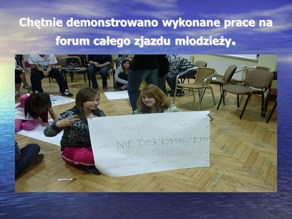 Chętnie demonstrowano wykonane prace na forum całego zjazdu młodzieży.
