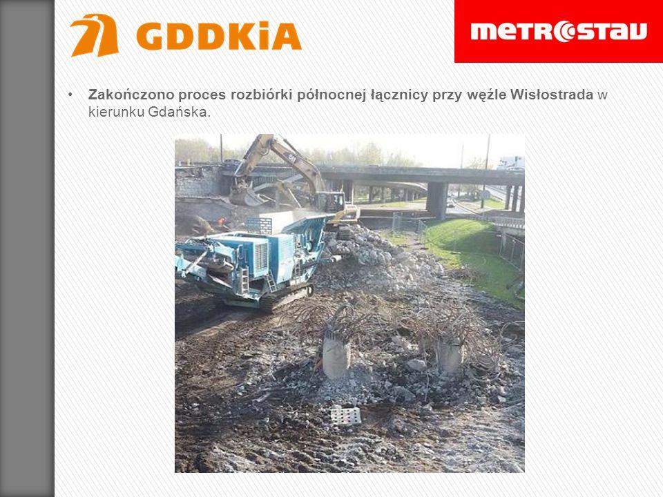 Usunięty został asfalt z łącznicy południe-zachód przy węźle Modlińska (wjazd z ul.