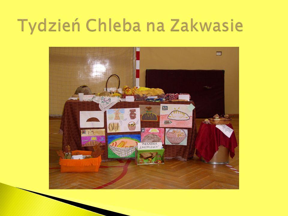 Obowiązek rocznego przygotowania przedszkolnego rozpoczyna się z początkiem roku szkolnego w roku kalendarzowym, w którym dziecko kończy 5 lat.