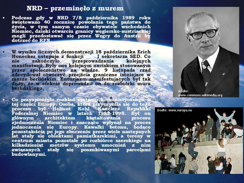 NRD – przeminęło z murem Podczas gdy w NRD 7/8 października 1989 roku świętowano 40 rocznicę powołania tego państwa do życia, w tym samym czasie obywatele wschodnich Niemiec, dzięki otwarciu granicy węgiersko-austriackiej mogli przedostawać się przez Węgry do Austrii by dotrzeć do RFN.