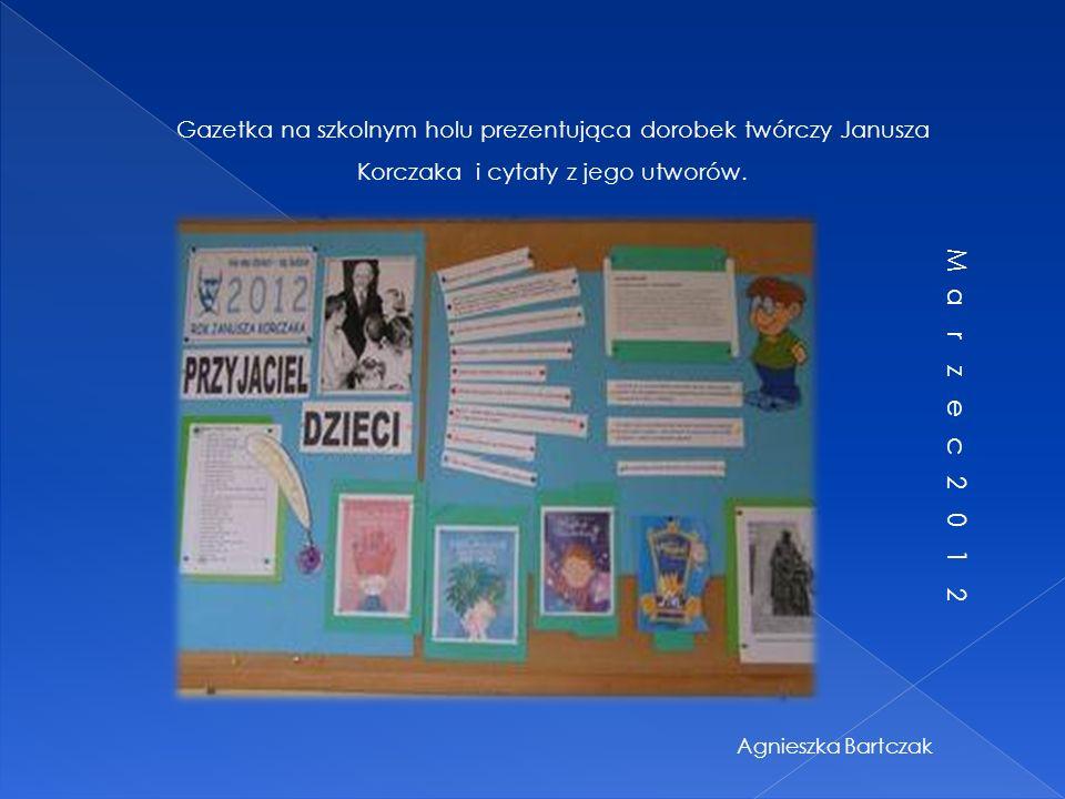 Gazetka na szkolnym korytarzu…