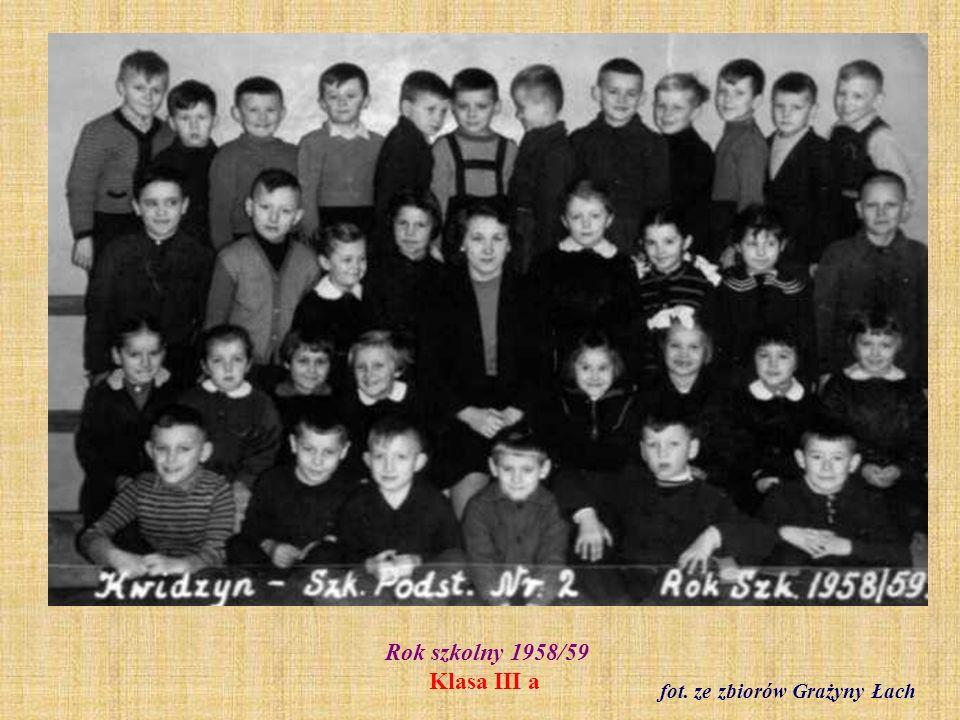 Rok szkolny 1958/59 Klasa VI b z wychowawczynią Janiną Golą fot. ze zbiorów Barbary Modliszewskiej