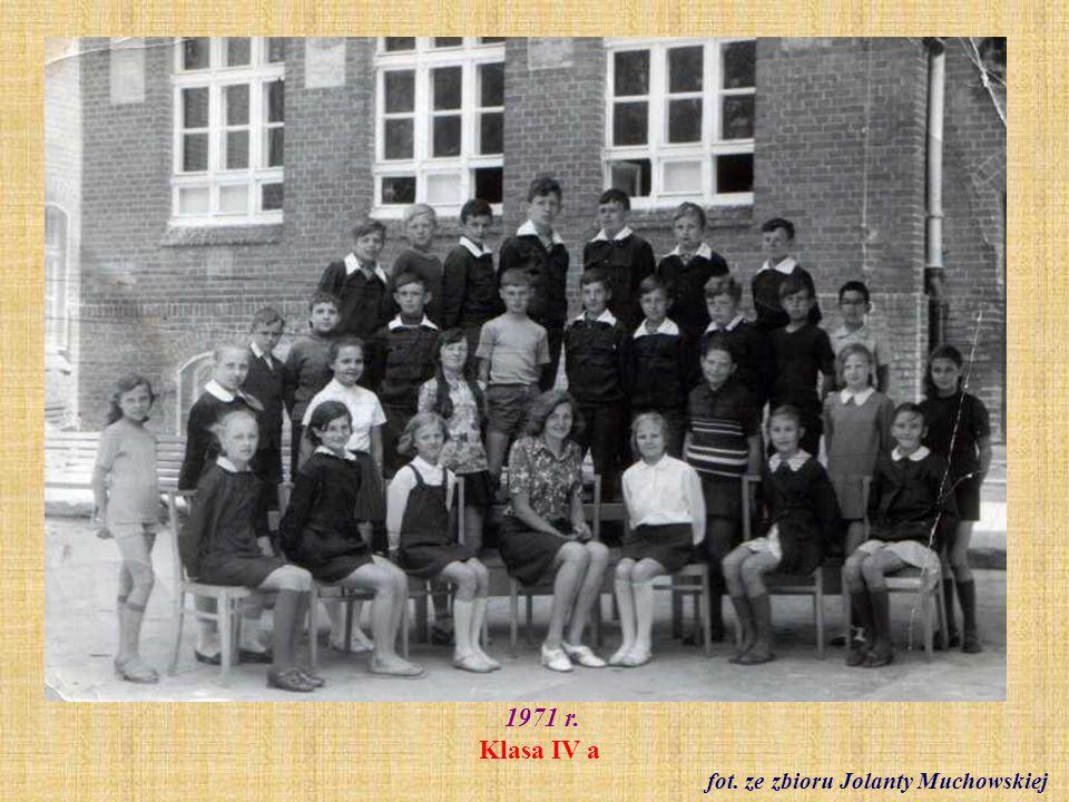 1972 r. Bal karnawałowy klasy IV a fot. archiwum szkoły