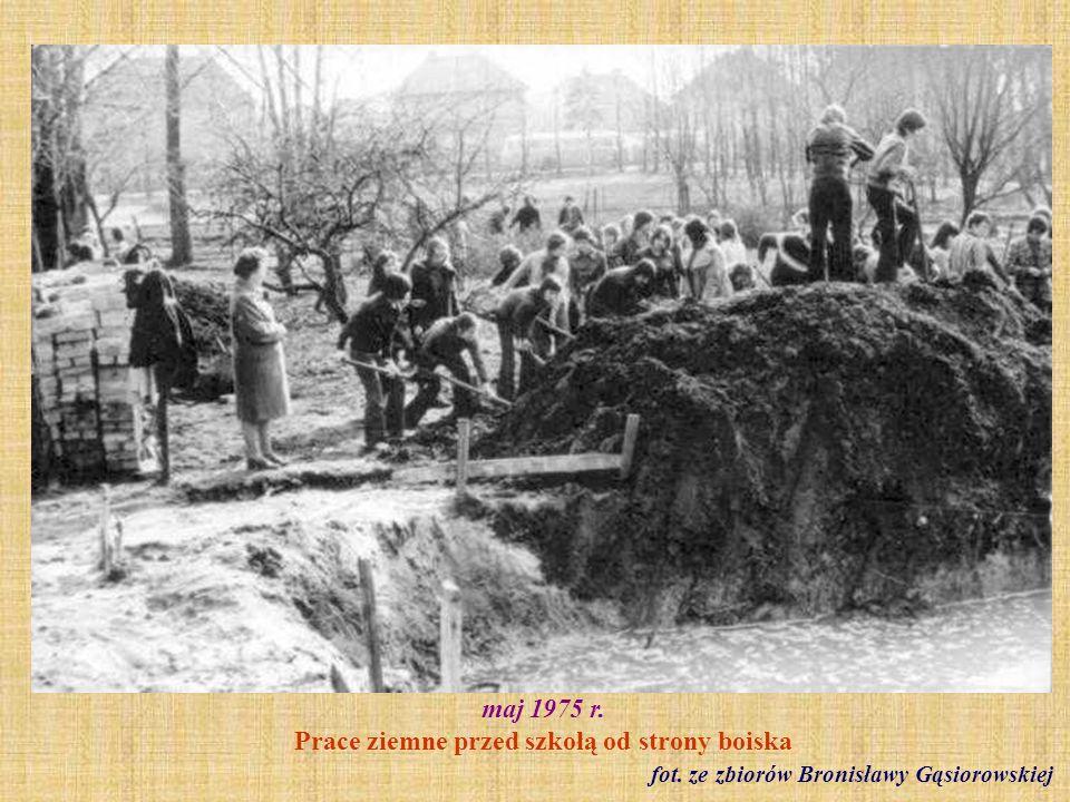 1975 r. Pracownicy kolonii letniej fot. ze zbiorów Bronisławy Gąsiorowskiej
