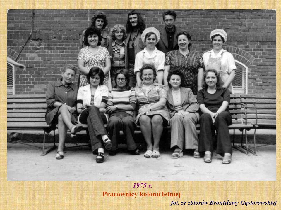 wrzesień 1975 r. Rozpoczęcie roku szkolnego fot. ze zbiorów Bronisławy Gąsiorowskiej