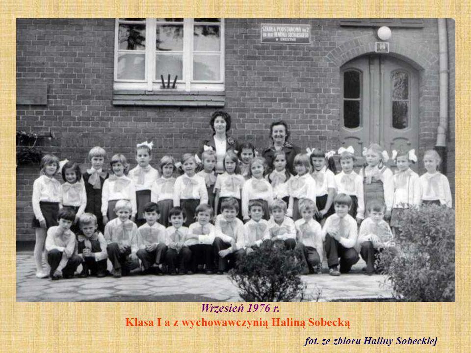 7 września 1976 r.Uroczystość nadania szkole imienia majora Henryka Sucharskiego fot.