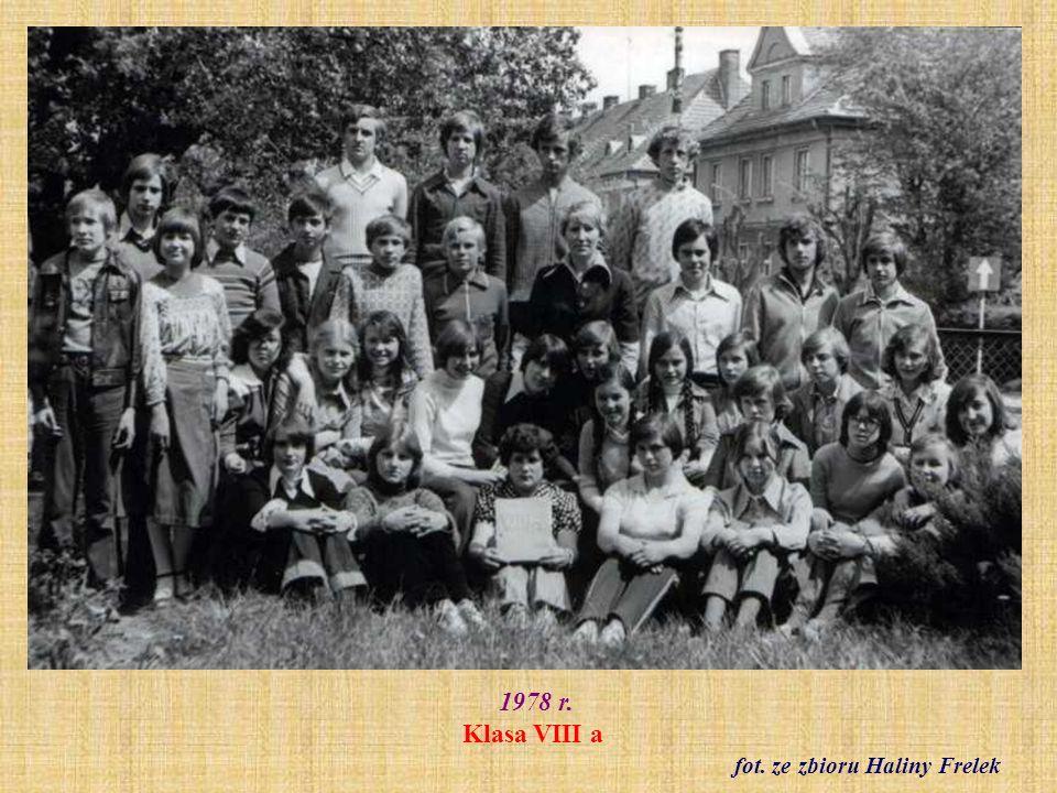 1.05.1979 r. Pochód pierwszomajowy - ul. Grudziądzka fot. archiwum szkolne