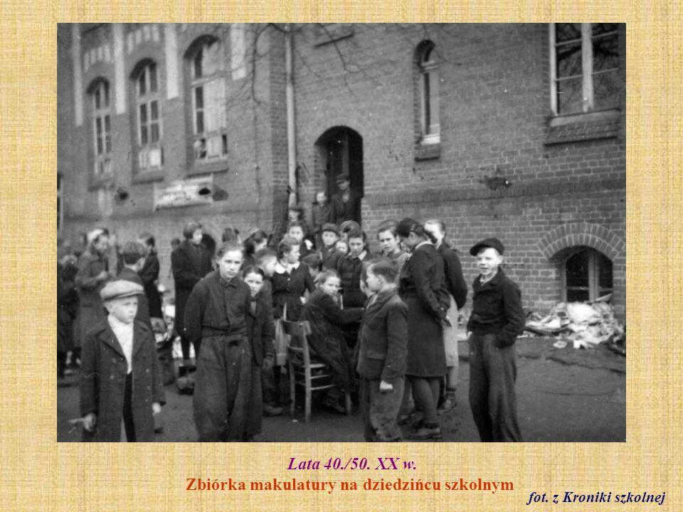 Lata 40./50.XX w. Wycieczka uczniów SP 2 do Krakowa.