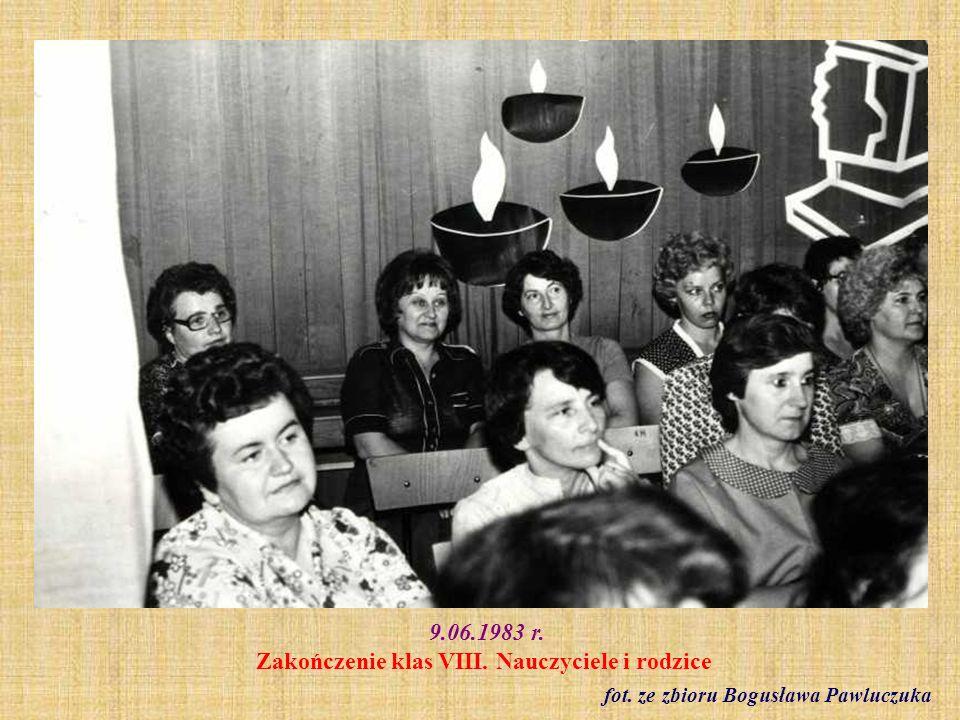 1983 r. Klasa VIII b fot. archiwum szkolne