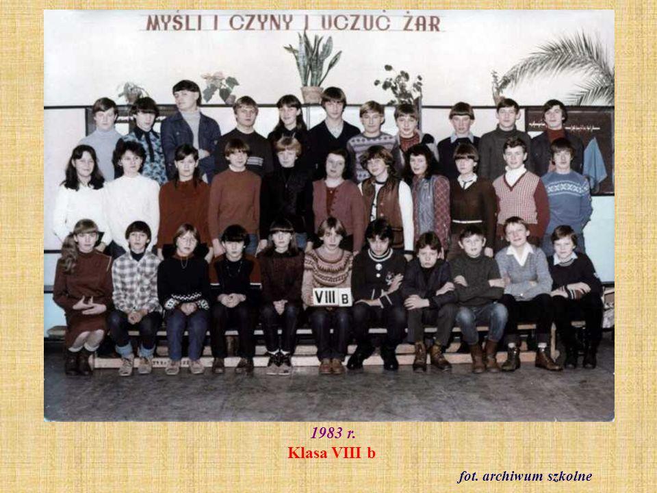 Rok szkolny 1984/85 Klasa IV a z wychowawczynią Barbarą Modliszewską fot.