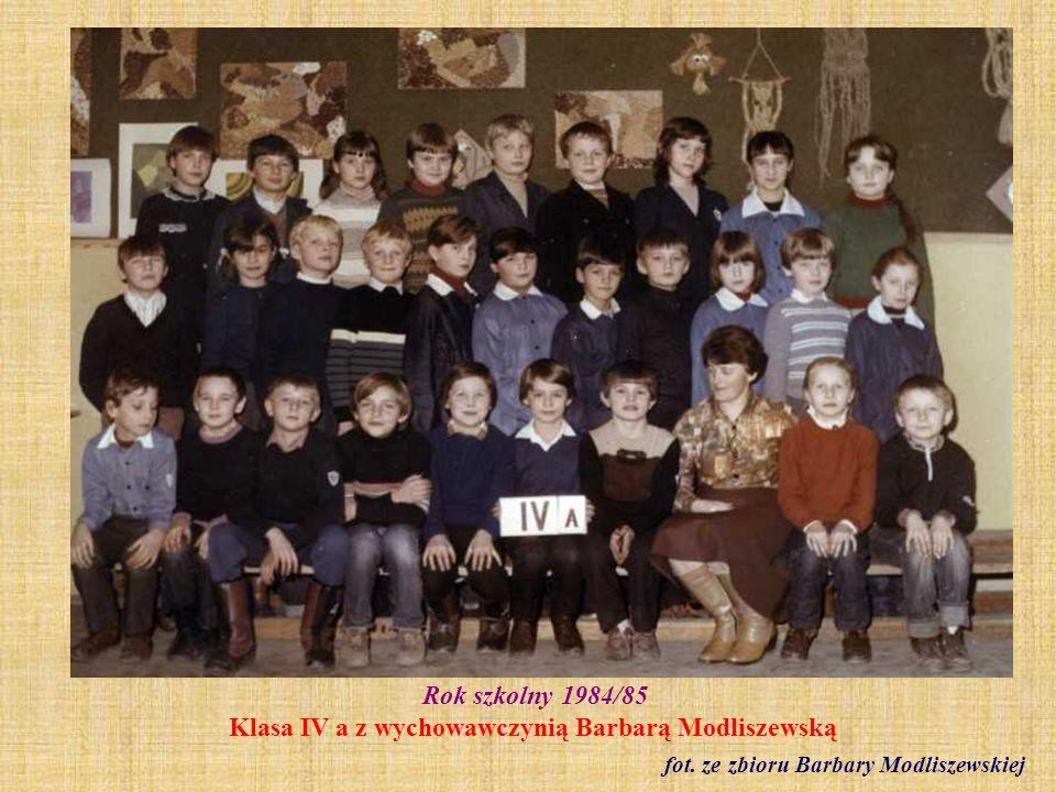 1984 r. Orkiestra szkolna pod kierownictwem Jerzego Fanslaua fot. ze zbioru Elżbiety Klawoń