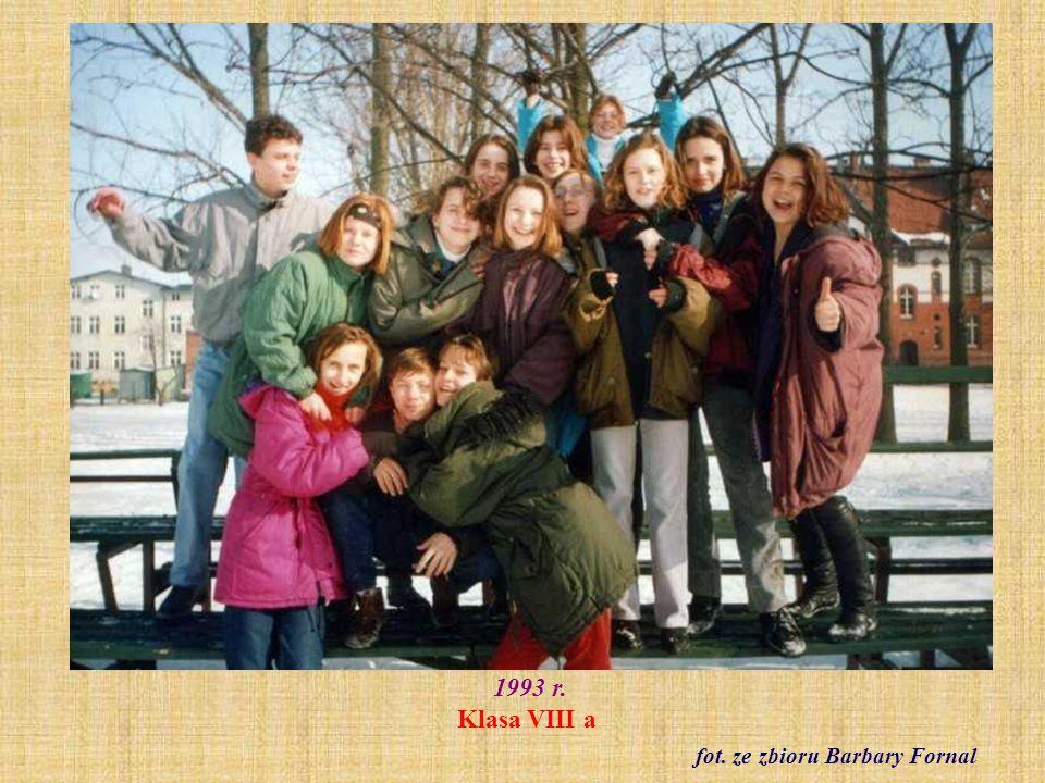 Czerwiec 2000 r. Pierwszy festyn szkolny fot. archiwum szkolne
