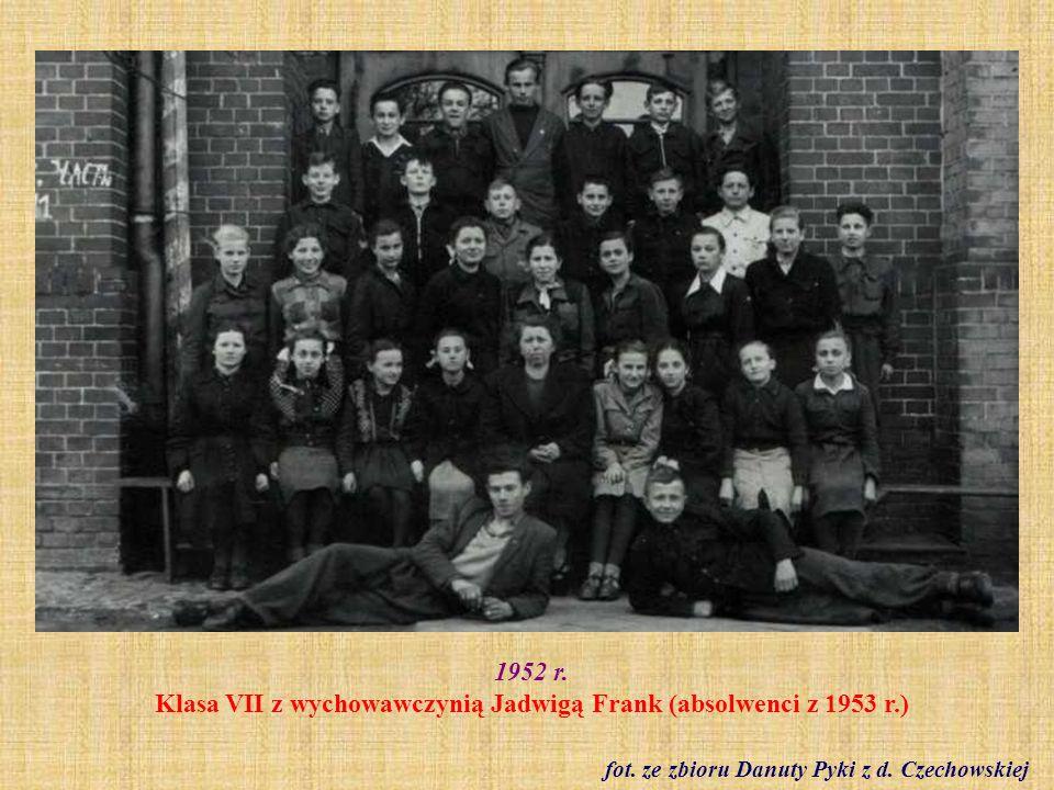 Rok szkolny 1952/53 Klasa IV a - wychowawczyni Pani Izabela Czerwień fot.