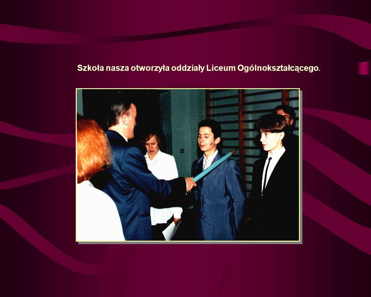 Rok Szkolny 1995/96 Wrzesień 95 Nastąpiła zmiana na stanowisku zastępcy dyrektora.