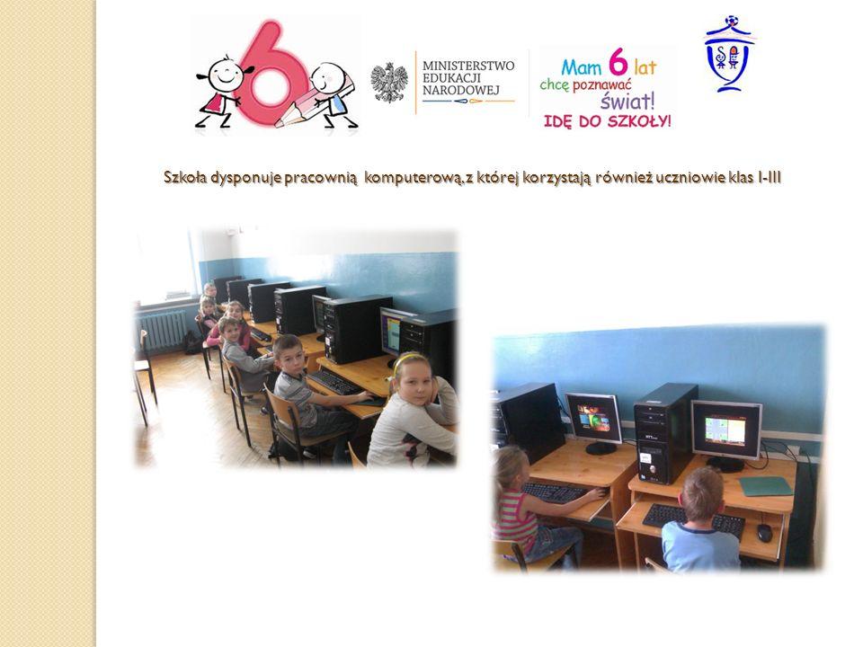 Szkoła dysponuje pracownią komputerową, z której korzystają również uczniowie klas I-III