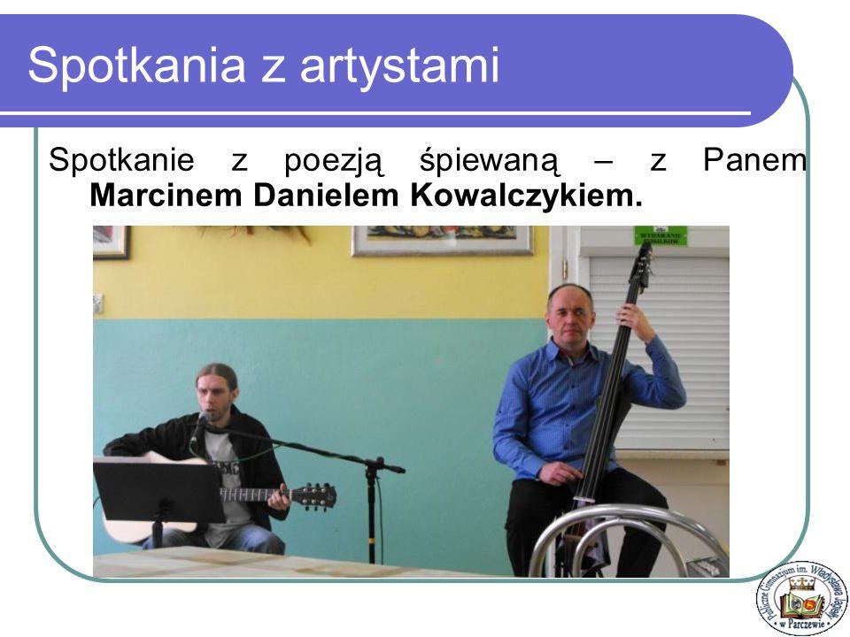 1.Warsztaty dziennikarskie - radiowe 2.