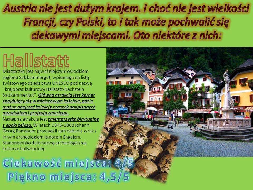 Aggstein - ruiny zamku z XII wieku, na prawym brzegu Dunaju w dolinie Wachau w powiecie Melk, w Dolnej Austrii.