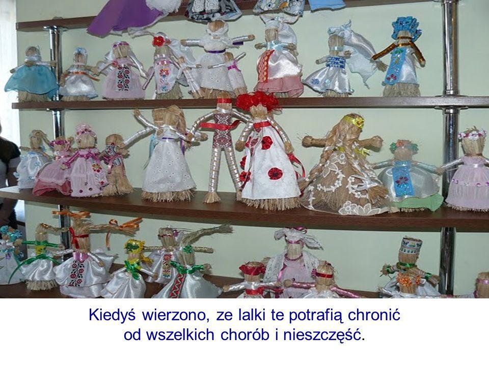 Kiedyś wierzono, ze lalki te potrafią chronić od wszelkich chorób i nieszczęść.