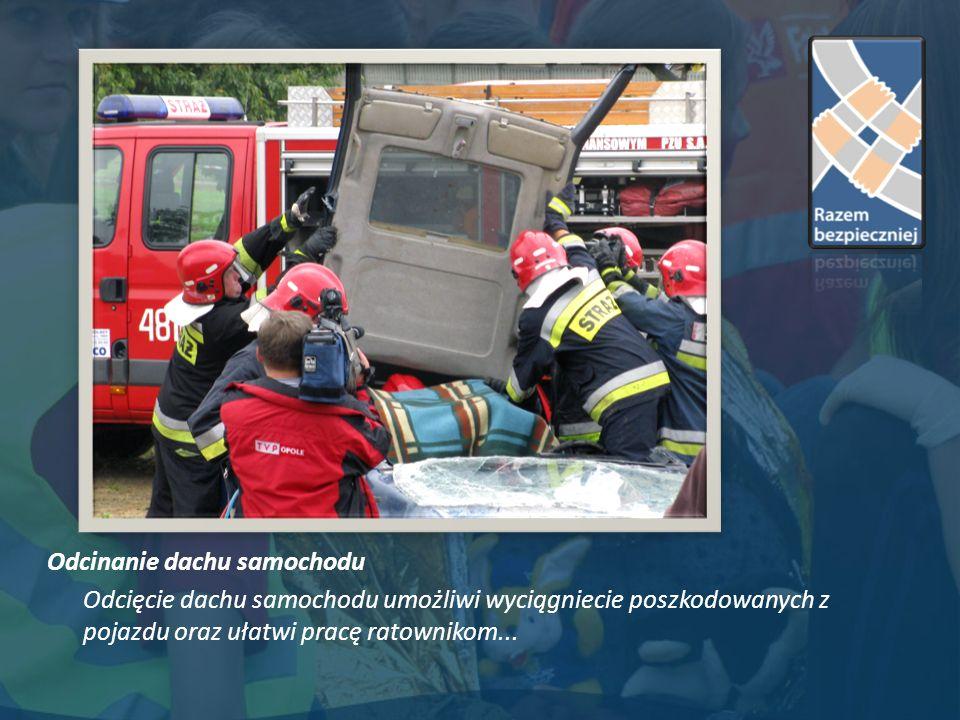 Odcinanie dachu samochodu Odcięcie dachu samochodu umożliwi wyciągniecie poszkodowanych z pojazdu oraz ułatwi pracę ratownikom...