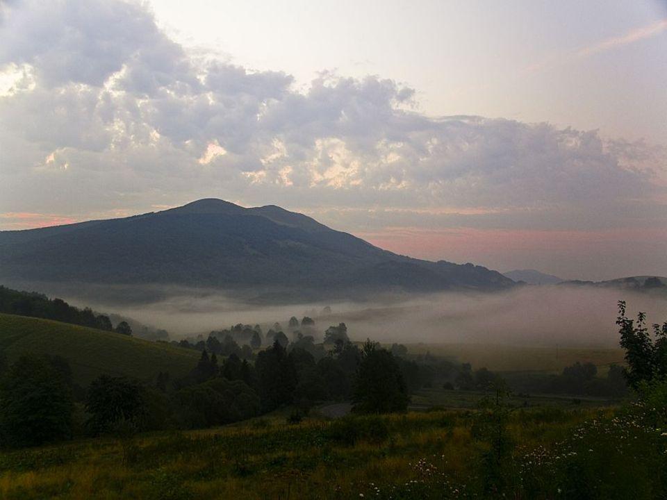 Turystyka Teren Bieszczadzkiego Parku Narodowego cieszy się dużym zainteresowaniem turystów.