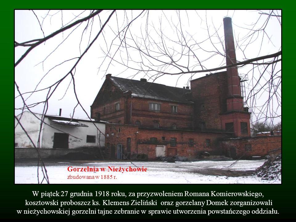 W piątek 27 grudnia 1918 roku, za przyzwoleniem Romana Komierowskiego, kosztowski proboszcz ks. Klemens Zieliński oraz gorzelany Domek zorganizowali w
