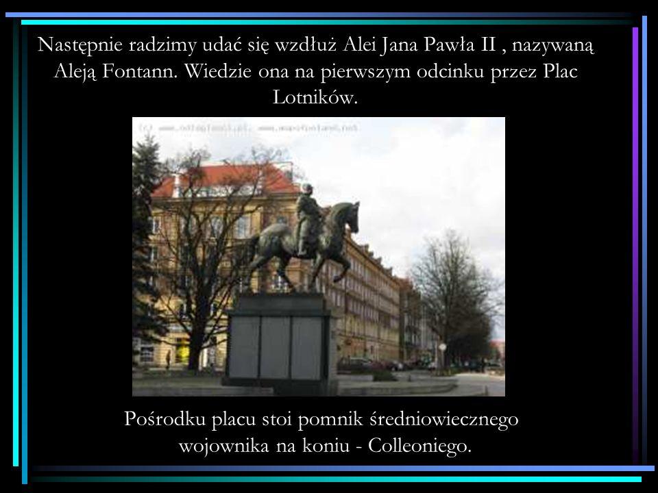 Z Wałów Chrobrego przez plac Żołnierza dochodzimy do alei Niepodległości – głównej arterii w centrum miasta – gdzie w głębi po prawej stronie widzimy charakterystyczną sylwetkę centrum biurowego PAZIM zwanego termosem.