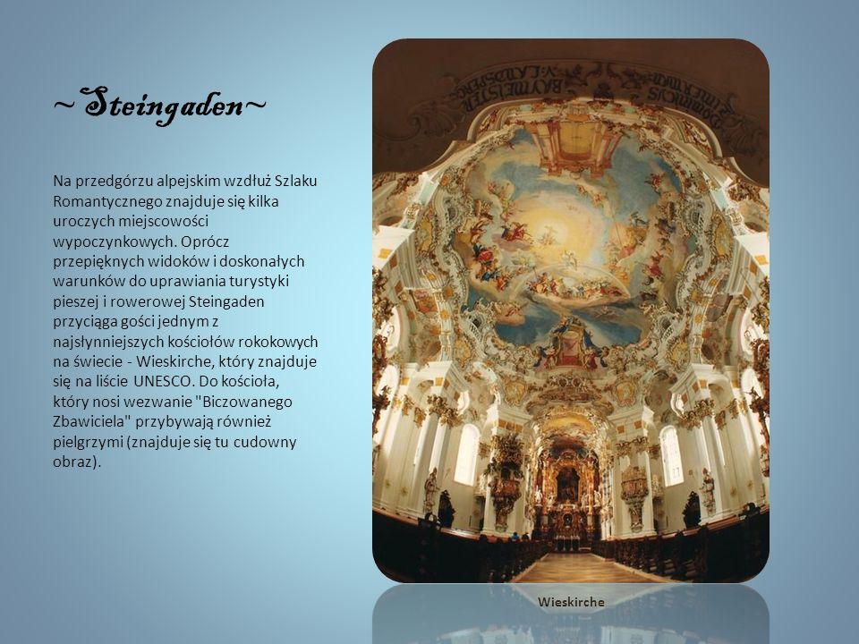 ~ Rottenbuch ~ W Rottenbuch obowiązkowo należy odwiedzić dawny klasztor augustianów, który liczy sobie ponad 900 lat. Główną atrakcją są tu wnętrza ko