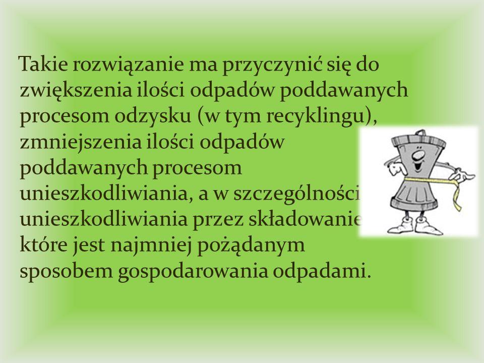 8) właściciel nieruchomości jest zobowiązany do gromadzenia odpadów komunalnych na terenie swojej nieruchomości w pojemnikach z podziałem na następujące frakcje: - FRAKCJA MOKRA (odpady biodegradowalne), - FRAKCJA SUCHA (odpady segregowane), - ZMIESZANE ODPADY KOMUNALNE.