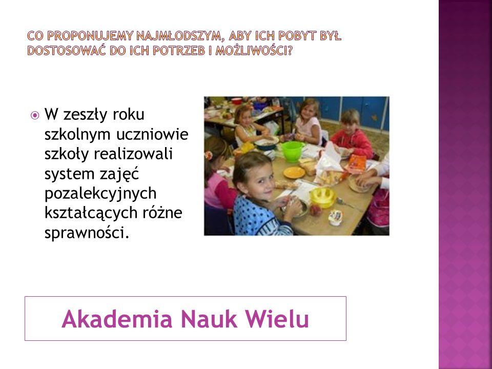 Akademia Nauk Wielu W zeszły roku szkolnym uczniowie szkoły realizowali system zajęć pozalekcyjnych kształcących różne sprawności.