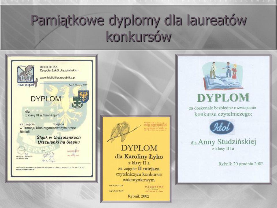 Pamiątkowe dyplomy dla laureatów konkursów