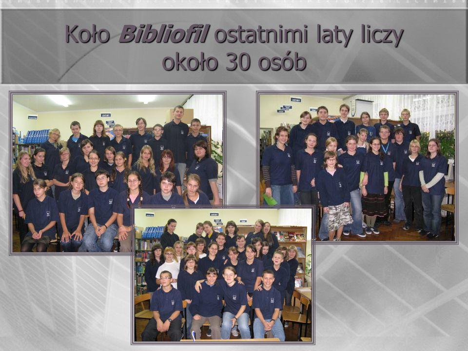 Koło Bibliofil ostatnimi laty liczy około 30 osób