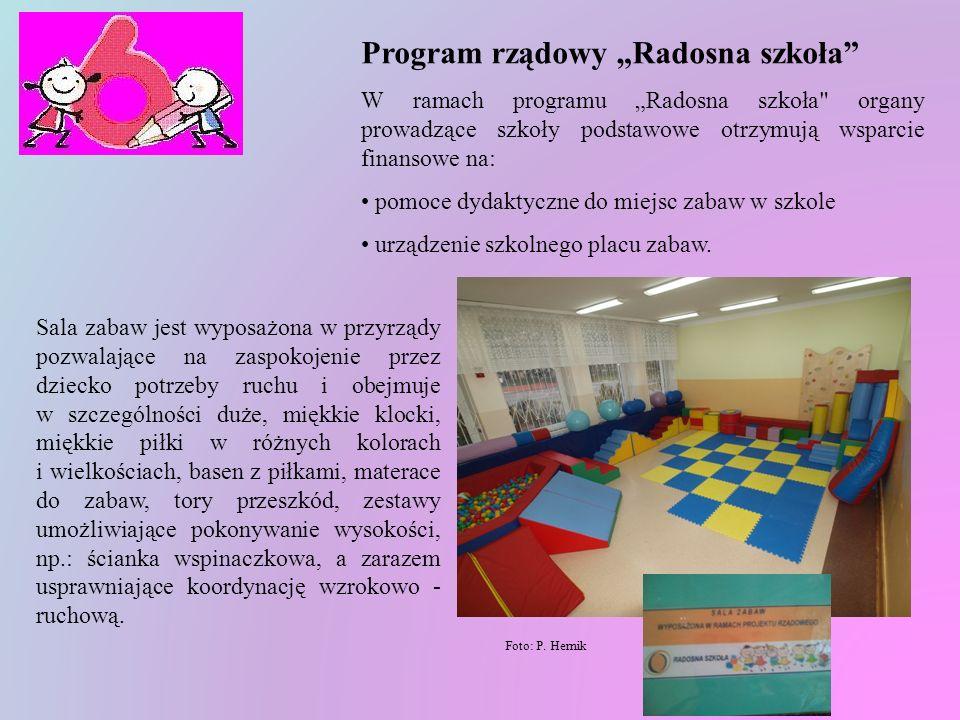 Mamy również dla dzieci najmłodszych piękną salę zabaw, która mieści się na parterze. Foto: P. Hernik W sali tej dzieci czują się jak na placu zabaw a