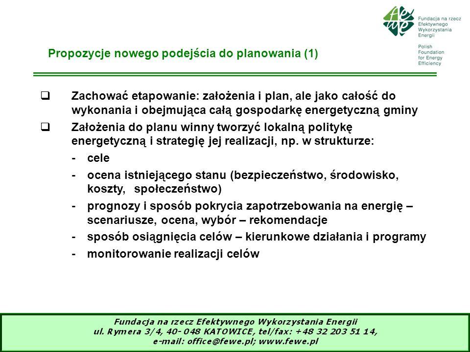 14 Propozycje nowego podejścia do planowania (1) Zachować etapowanie: założenia i plan, ale jako całość do wykonania i obejmująca całą gospodarkę ener