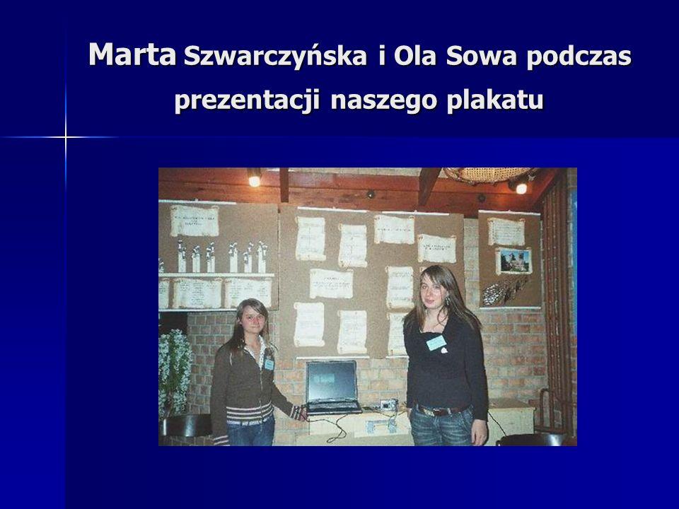 Marta Szwarczyńska i Ola Sowa podczas prezentacji naszego plakatu