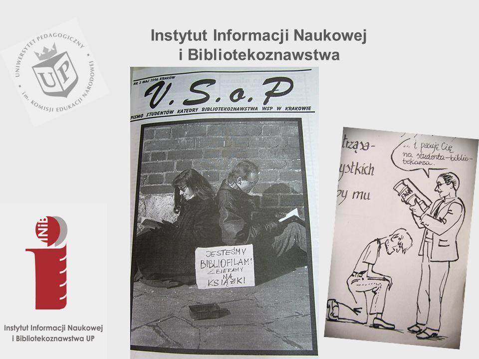 Życie naukowe studentów skupia się w Kole Naukowym Bibliolog, którego celem jest poszerzenie wiedzy o inne dyscypliny nie objęte programem studiów oraz promowanie czytelnictwa.