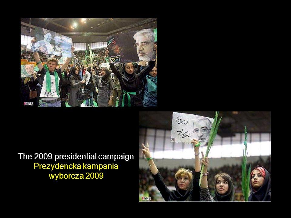 Women s rights = Human right Prawa kobiet = Prawa człowieka Campaigners Uczestniczki kampanii