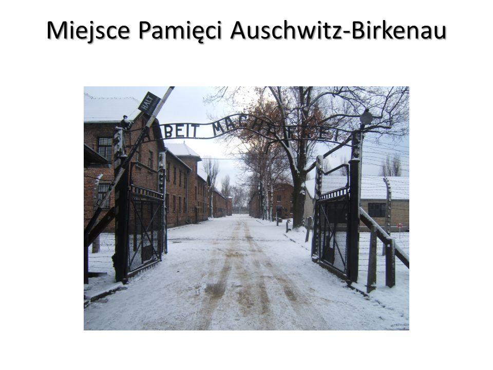 MUZEUM AUSCHWITZ Niemiecki zespół obozów koncentracyjnych i obozów zagłady na terenie Oświęcimia i pobliskich miejscowości istniejący w latach 1940-1945.