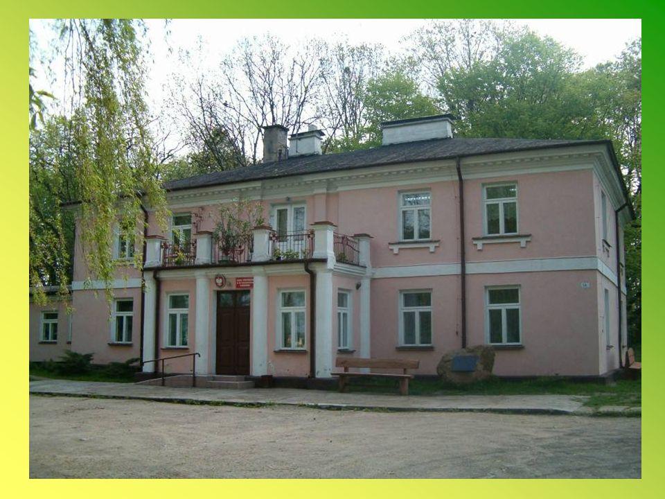 W roku szkolnym 2007/2008 realizowany był projekt English Teaching, finansowany przez Polsko-Amerykańską Fundację Wolności NIDA: Nauka języka angielskiego szansą na lepszy start Pozyskano 12 000 zł.