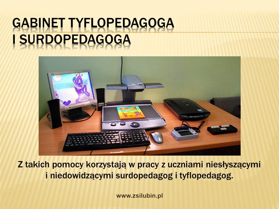 Z takich pomocy korzystają w pracy z uczniami niesłyszącymi i niedowidzącymi surdopedagog i tyflopedagog. www.zsilubin.pl