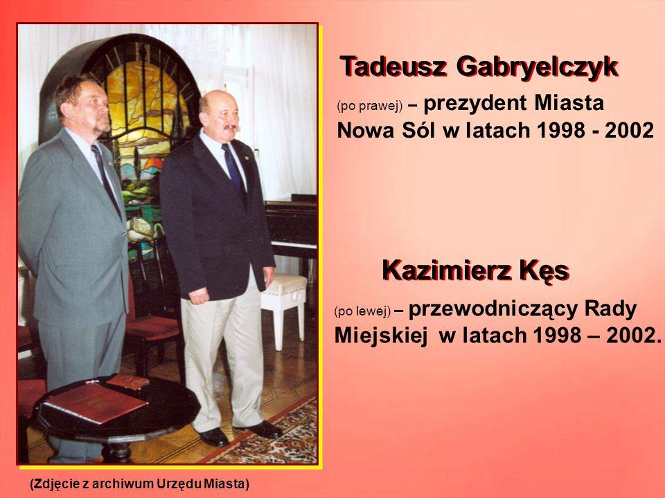 (po prawej) – prezydent Miasta Nowa Sól w latach 1998 - 2002 (po lewej) – przewodniczący Rady Miejskiej w latach 1998 – 2002. (Zdjęcie z archiwum Urzę