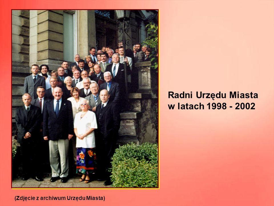 Radni Urzędu Miasta w latach 1998 - 2002 (Zdjęcie z archiwum Urzędu Miasta)