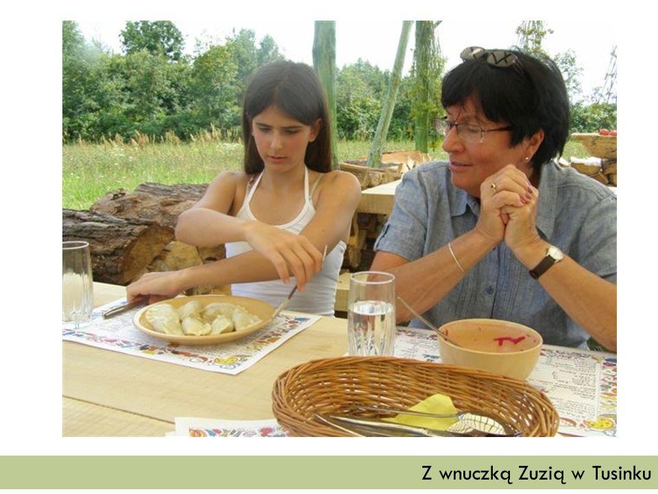 Z wnuczką Zuzią w Tusinku